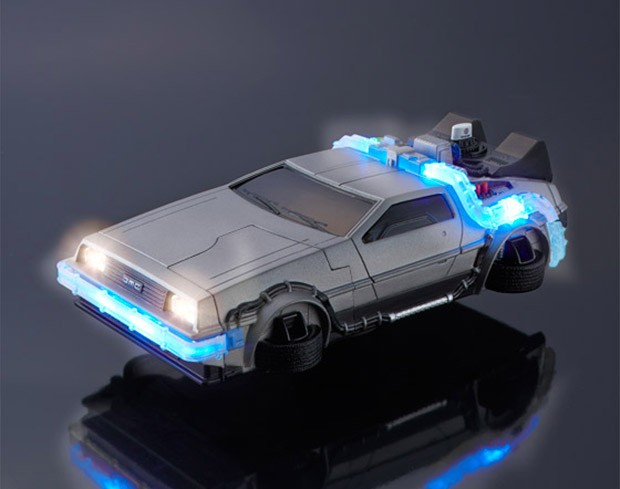 bttf_delorean_iphone_case_1