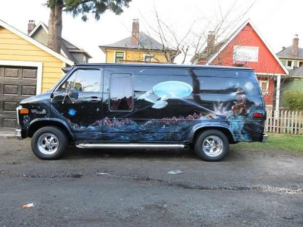 If This Star Trek Van Is Rockin' Don't Come Knockin'