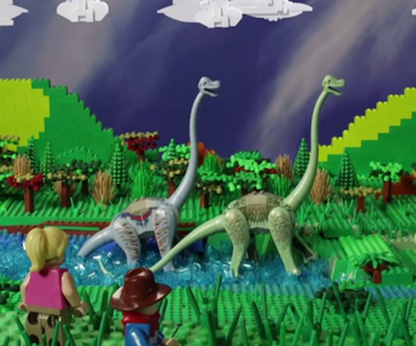 Father and Daughter Create LEGO Jurassic Park Movie