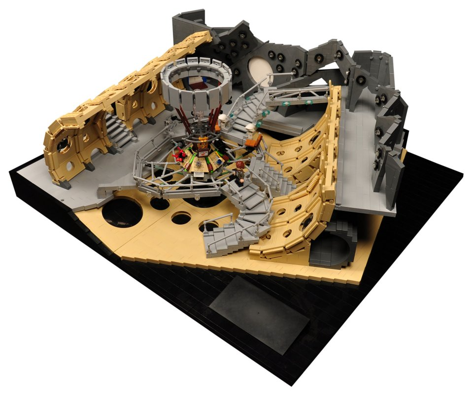 Amazing lego tardis console room mightymega for Consolle lago