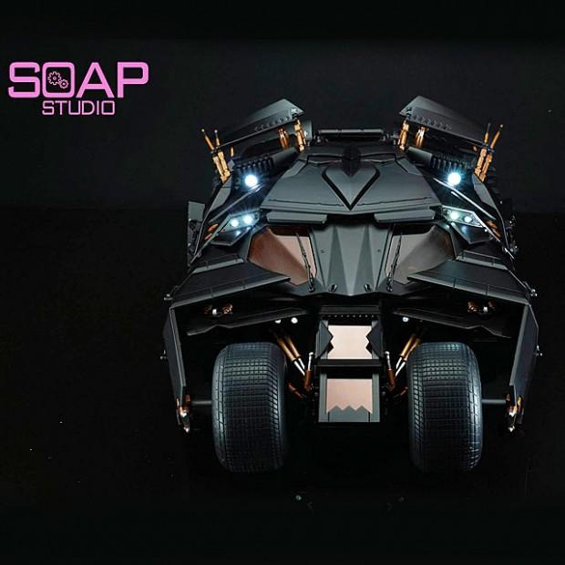 soap_studio_1_12_remote_controlled_batman_tumbler_1