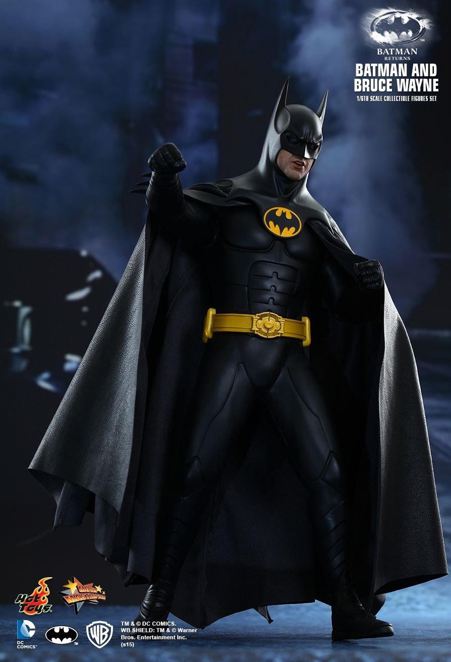 Hot Toys Batman Returns 1:6 Scale Figures