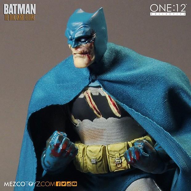 batman_the_dark_knight_returns_deluxe_boxed_set_mezco_toys_5
