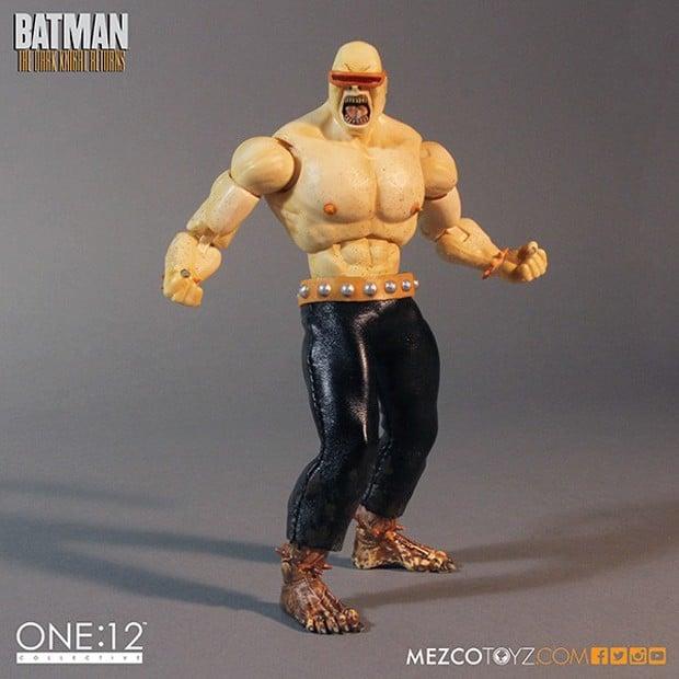 batman_the_dark_knight_returns_deluxe_boxed_set_mezco_toys_6