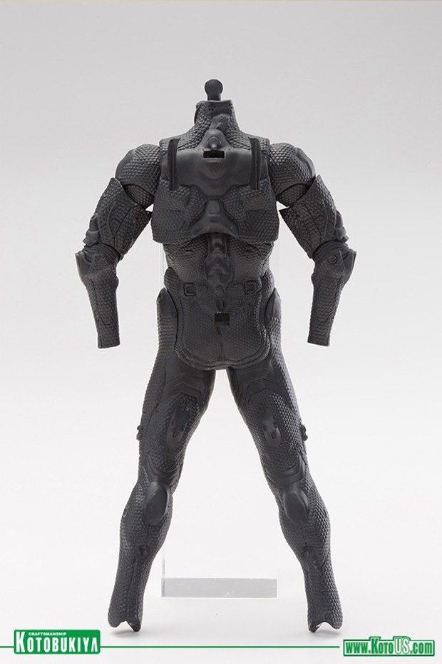 halo_4_master_chief_techsuit_action_figure_by_kotobukiya_6