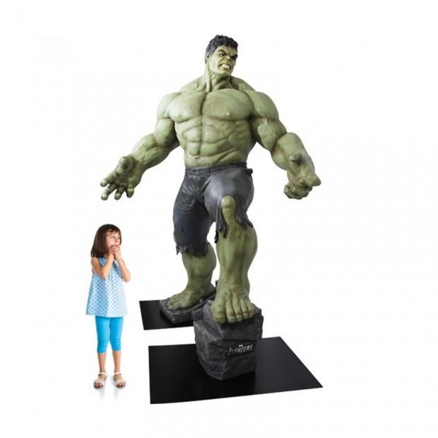 life_size_hulk_avengers_age_of_ultron_polymark_2
