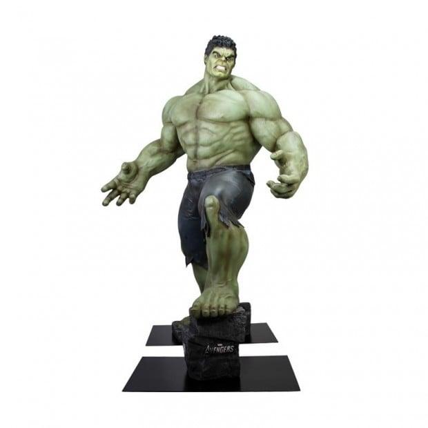 life_size_hulk_avengers_age_of_ultron_polymark_3