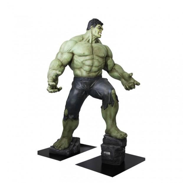 life_size_hulk_avengers_age_of_ultron_polymark_5