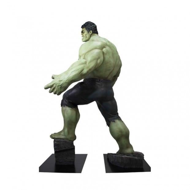 life_size_hulk_avengers_age_of_ultron_polymark_6