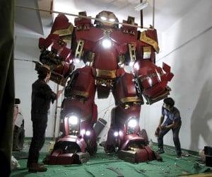 Fan-Made Life-Size Iron Man Hulkbuster Statue