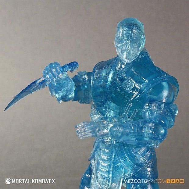 mortal_kombat_x_sub_zero_ice_clone_figure_mezco_toys_2