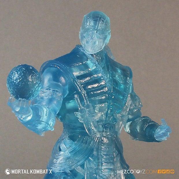 mortal_kombat_x_sub_zero_ice_clone_figure_mezco_toys_3