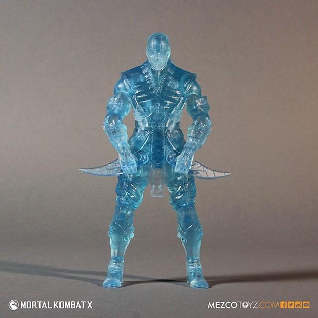 mortal_kombat_x_sub_zero_ice_clone_figure_mezco_toys_4