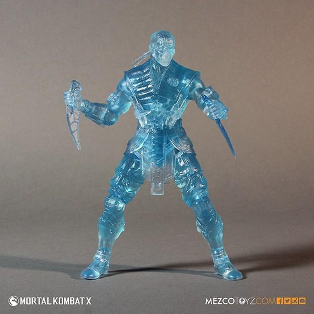 mortal_kombat_x_sub_zero_ice_clone_figure_mezco_toys_5