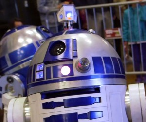 Learn What Makes an R2-D2 Astromech Droid Tick…Beep