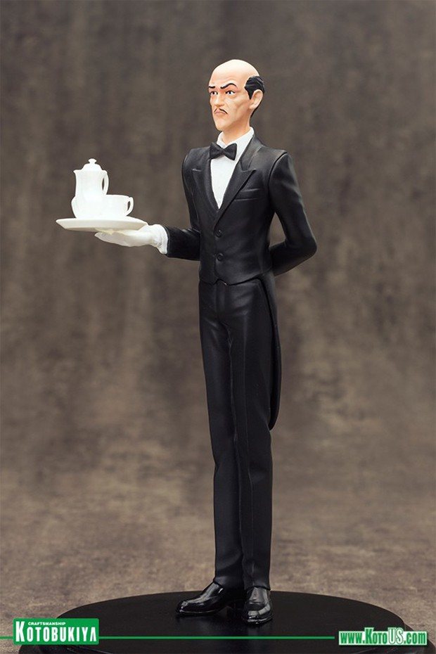 alfred_pennyworth_artfx_plus_statue_by_kotobukiya_2