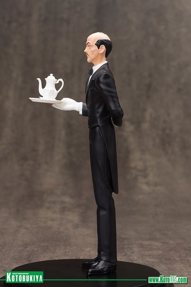 alfred_pennyworth_artfx_plus_statue_by_kotobukiya_3