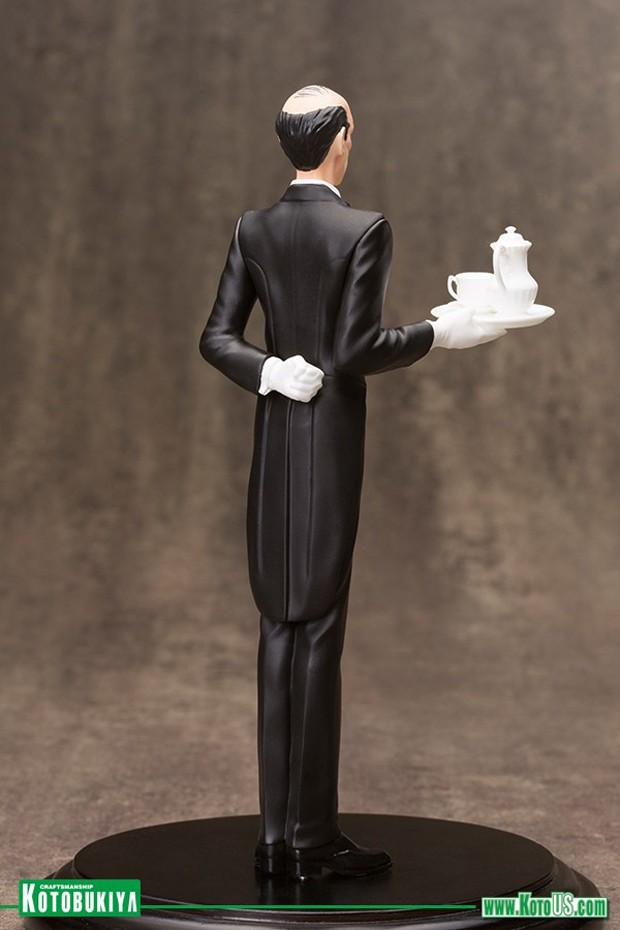 alfred_pennyworth_artfx_plus_statue_by_kotobukiya_5