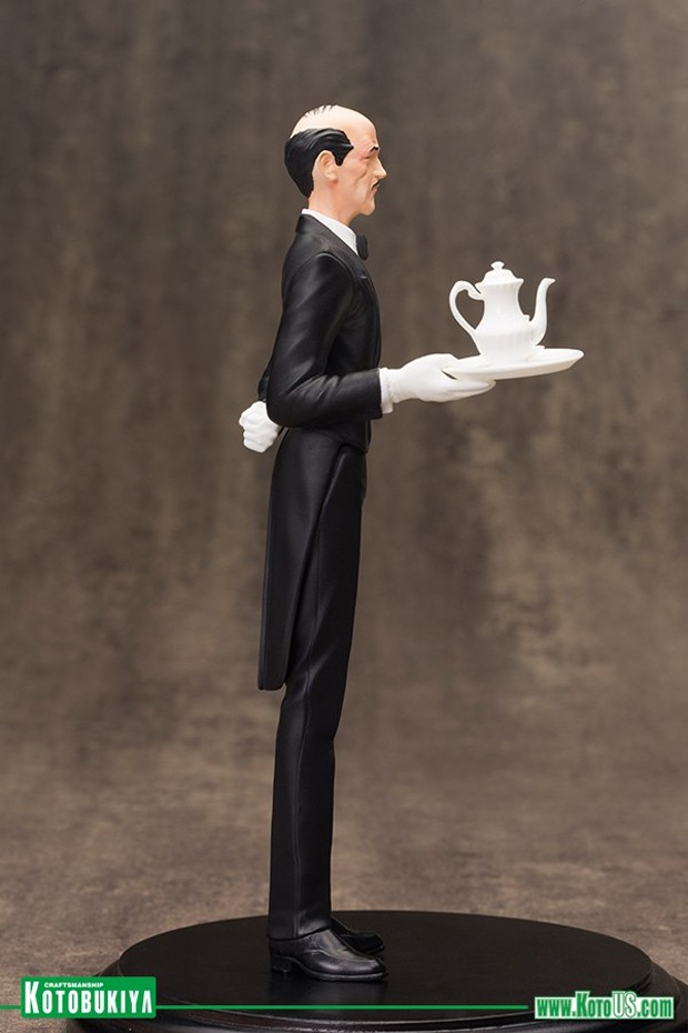alfred_pennyworth_artfx_plus_statue_by_kotobukiya_6