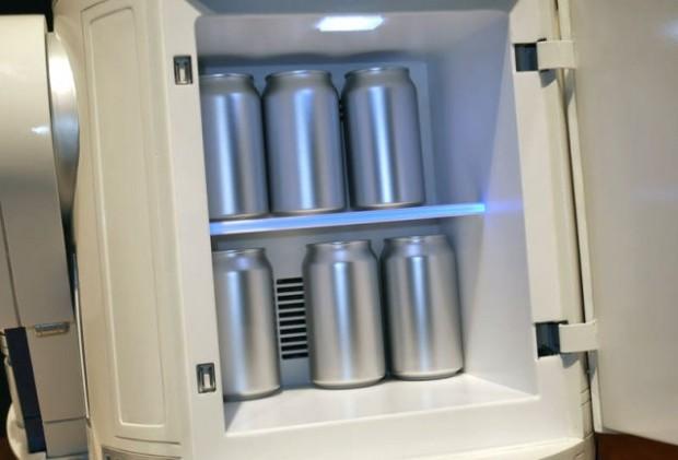 r2_fridge_2