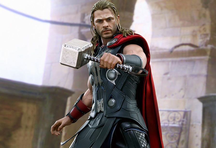 Hot Toys 1:6 Scale Thor Action Figure
