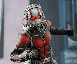 Hot Toys Ant-Man Action Figure