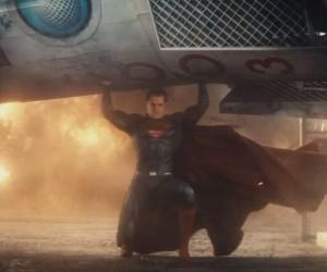 SDCC Trailer for Batman v Superman