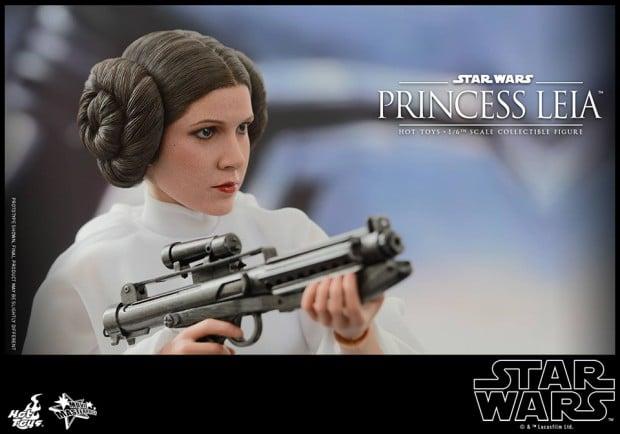 hot_toys_princess_leia_sixth_scale_action_figure_12