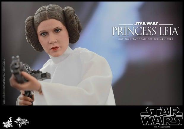 hot_toys_princess_leia_sixth_scale_action_figure_7