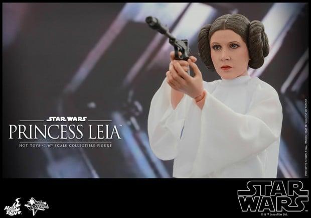 hot_toys_princess_leia_sixth_scale_action_figure_9