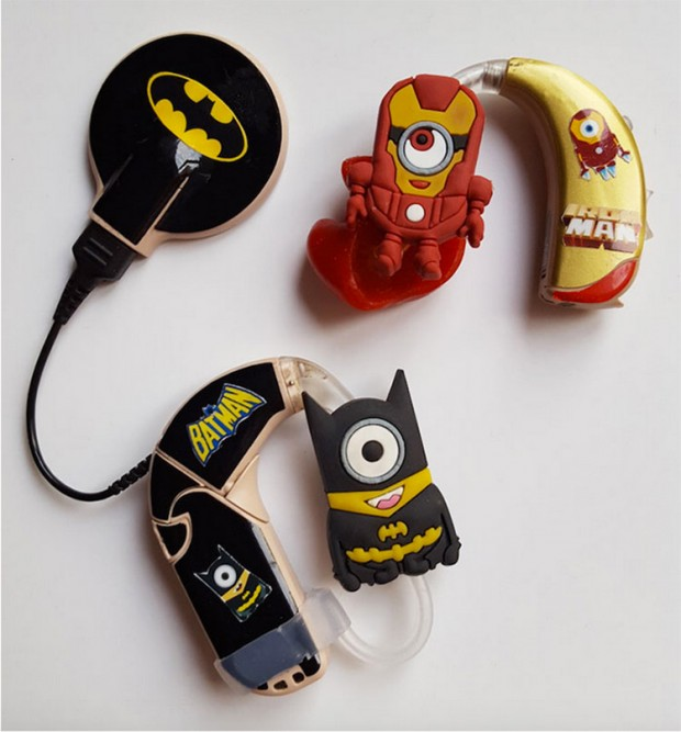 superhero_hearing_aids_lugs_3