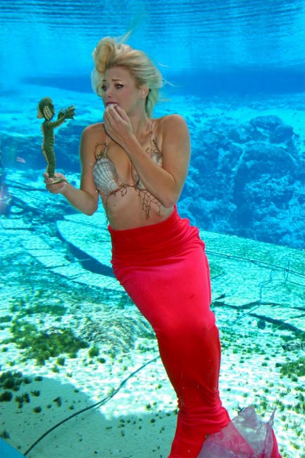 weeki_watchee_mermaid_black_lagoon_2