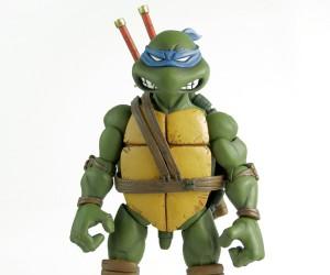 Mondo 1/6 Scale Leonardo TMNT Figure