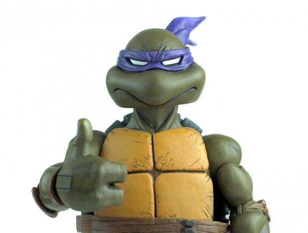 donatello_teenage_mutant_ninja_turtles_1_6_scale_action_figure_by_mondo_3