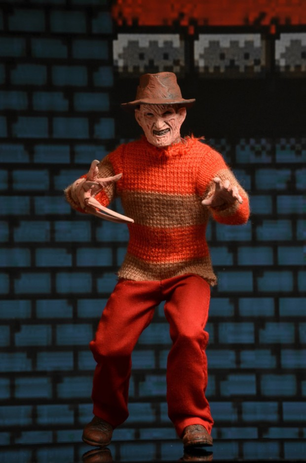 freddy_krueger_classic_video_game_appearance_clothed_figure_by_neca_4