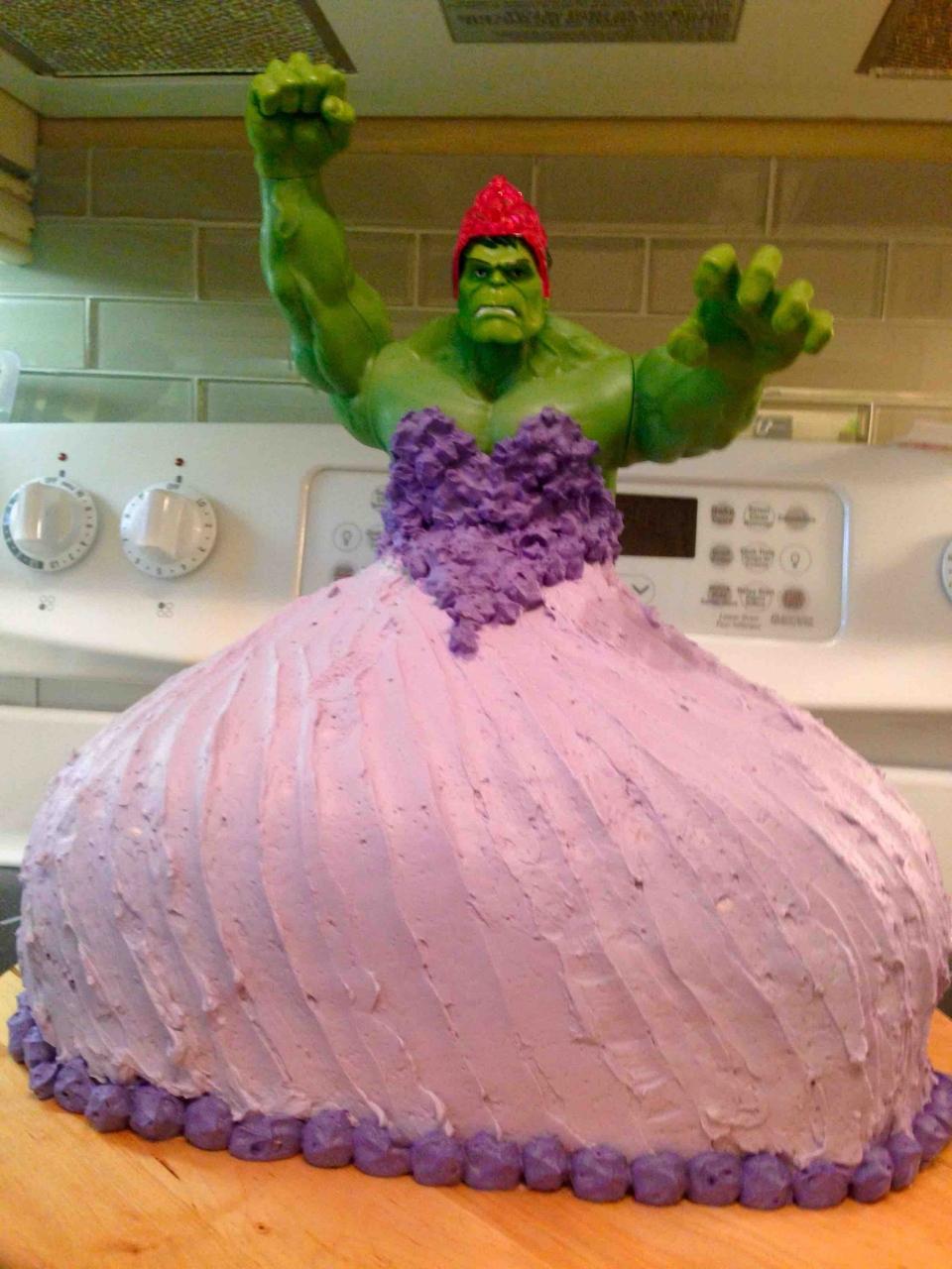 Twin Girls Get Princess Hulk Birthday Cake