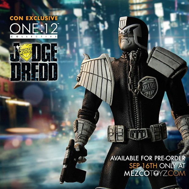 judge_dredd_lawmaster_motorcycle_action_figure_by_mezco_one_12_collective_13