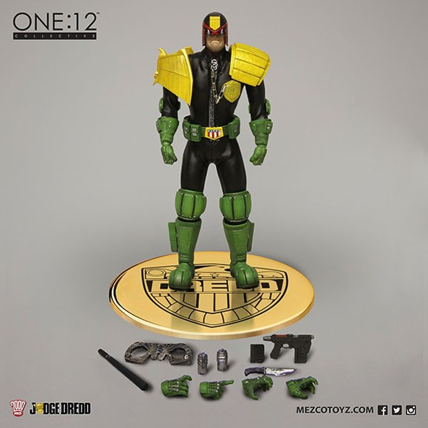 judge_dredd_lawmaster_motorcycle_action_figure_by_mezco_one_12_collective_5