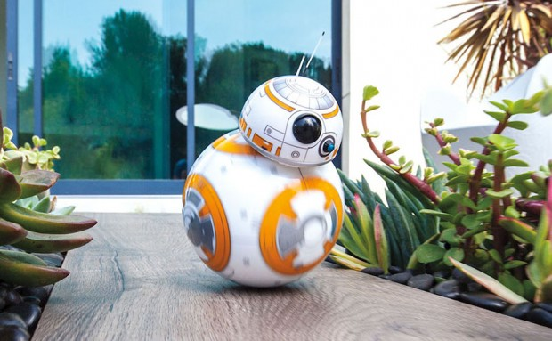 star_wars_bb-8_droid_remote_controlled_toy_by_sphero_1