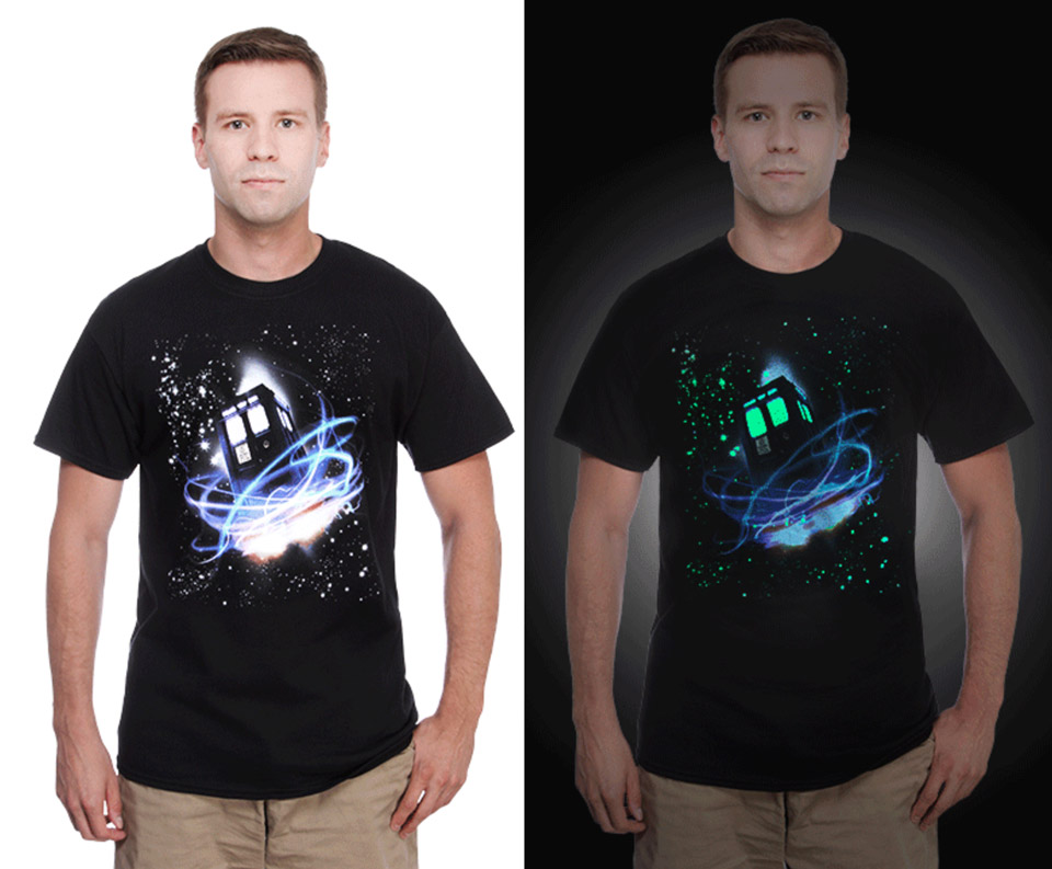 Glowing TARDIS in Space T-Shirt
