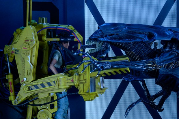 aliens_power_loader_p_5000_neca_9