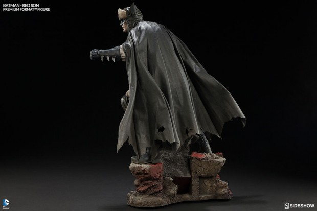 batman_red_son_premium_format_figure_sideshow_collectibles_4