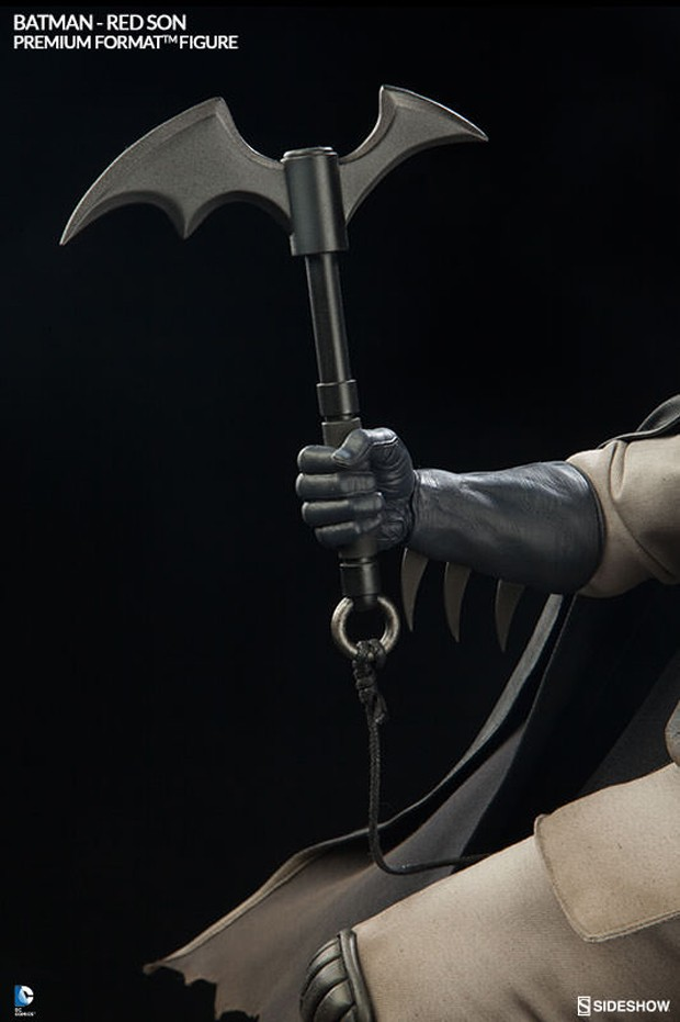 batman_red_son_premium_format_figure_sideshow_collectibles_6