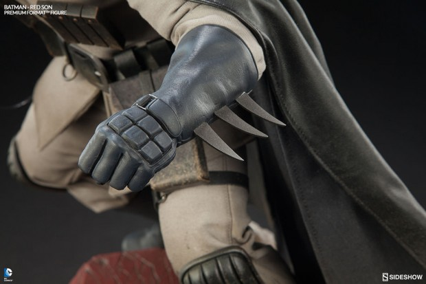 batman_red_son_premium_format_figure_sideshow_collectibles_7