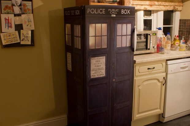 tardis_fridge_2