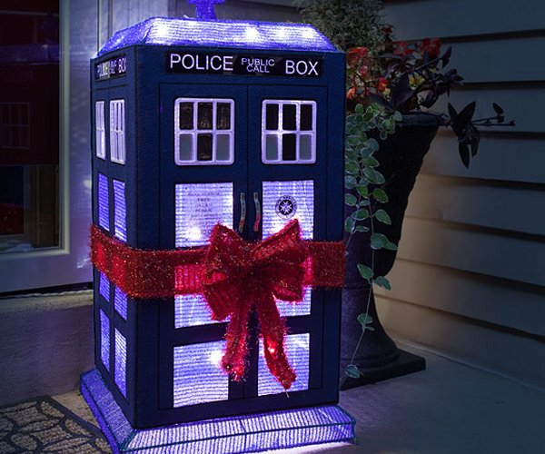 Doctor Who 3D Lighted TARDIS Lawn Decor