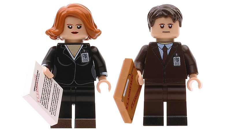 You Can Now Own Some X-Files Minifigs