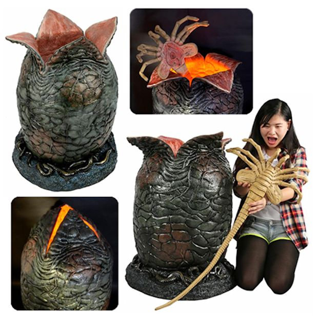 Alien Light-up Egg and Facehugger Life-Size Replica