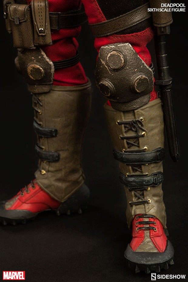 deadpool_sixth_scale_action_figure_sideshow_collectibles_11