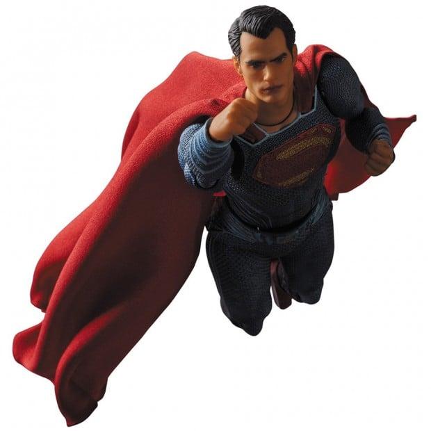 mafex_batman_v_superman_dawn_of_justice_by_medicom_14